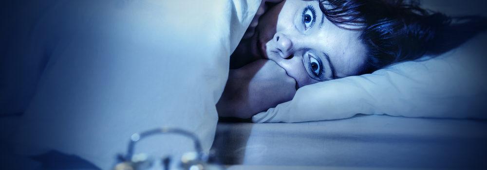 Jak się dobrze wyspać? Przyczyną złego snu często jest alergia, nieżyt nosa, powodujący bezdech senny. Poradź sobie z tym usuwając przyczynę - roztocza.